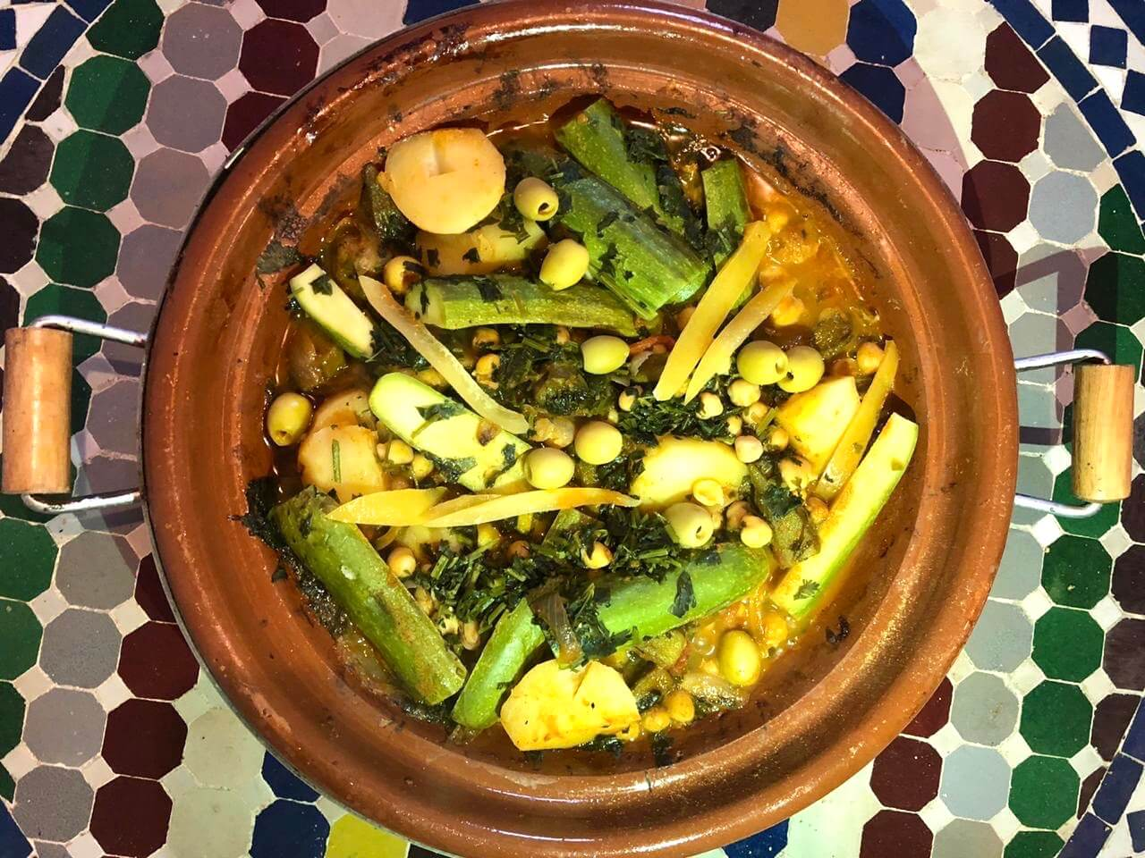 Okra vegetarian Tajine